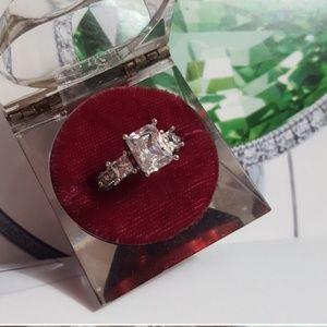 Jewelry - Stunning Tri-setting Diamonique Ring